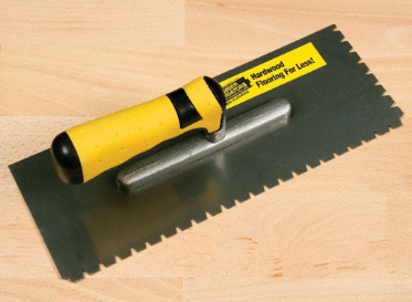 "3/16"" x 1/4"" x 1/2"" Flat V-Notch Trowel"