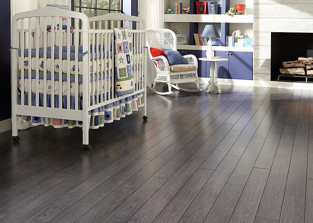 Laminate Flooring With Pad laminate flooring with pre attached underlayments 12mmpad Flint Creek Oak Fullscreen